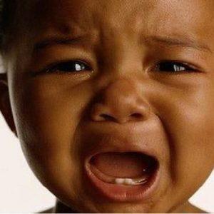 Pourquoi le bébé pleure? 10 choses que vous devez savoir sur les coliques